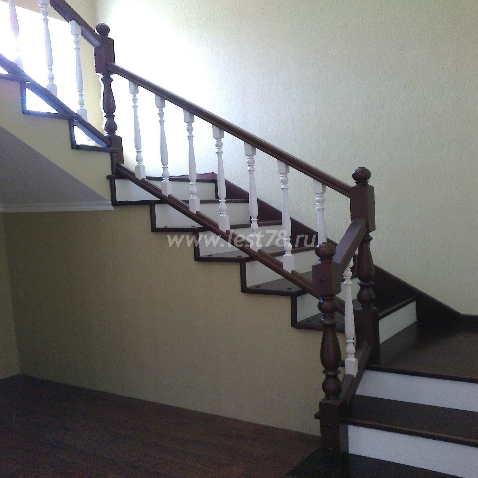 Деревянные балясины для лестниц фото